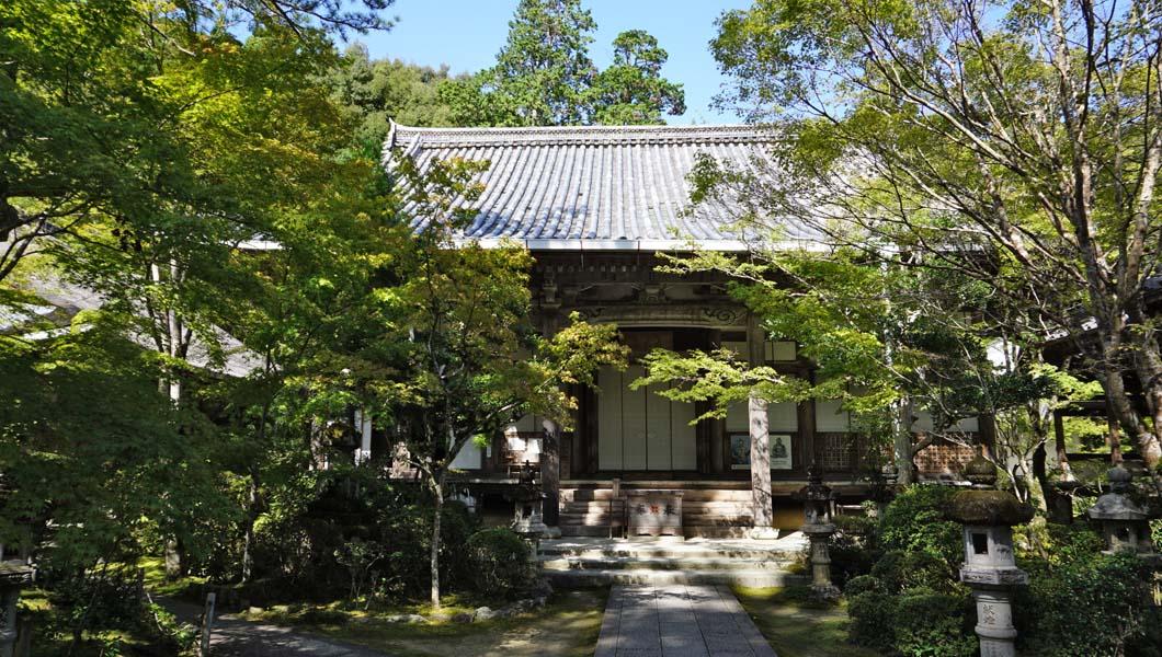西明寺の本堂01