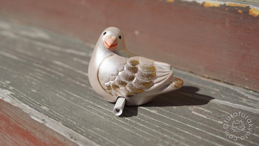 鳩の置物おみくじ