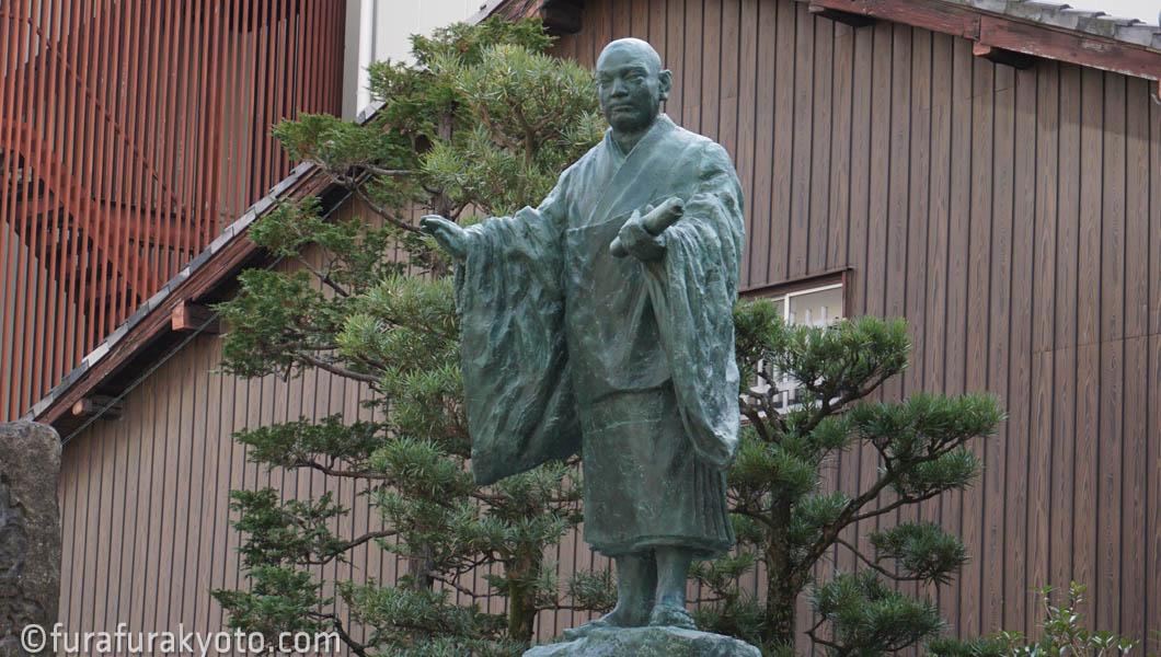 本能寺 日蓮像